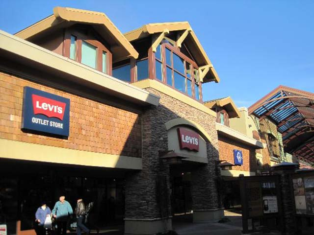 Woodburn at Woodburn Premium Outlets